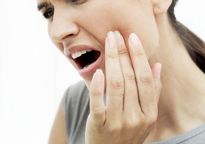 Infection d'une dent de sagesse : symptômes et traitements