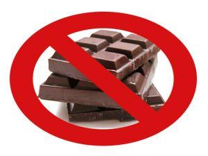 éviter le chocolat qui peut déclencher des reflux gastriques