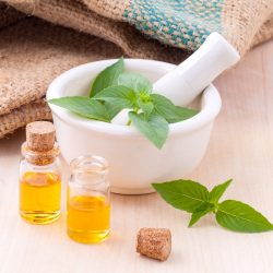 Les huiles essentielles anti-ronflement à essayer